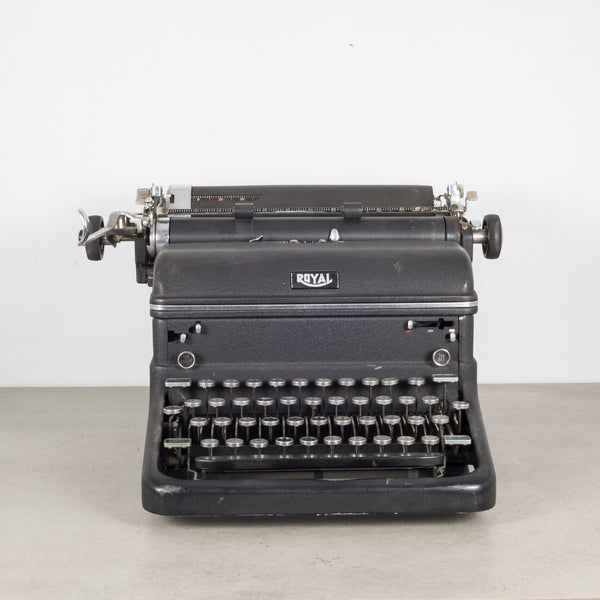 "Antique Royal ""Magic Margin"" Typewriter c. 1938"