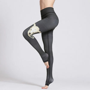 Colorvalue Elk Yoga Leggings - on model