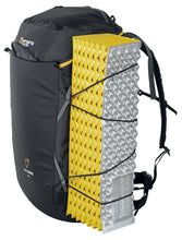 Load image into Gallery viewer, Singing Rock Rocking 40 - Climbing backpack - VerxAustralia