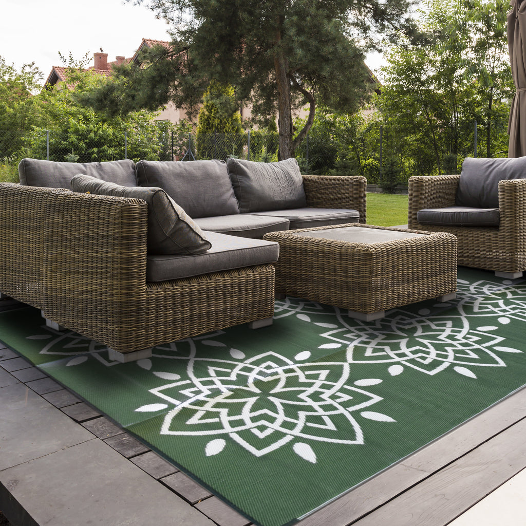 Reversible Outdoor Rug Green and White
