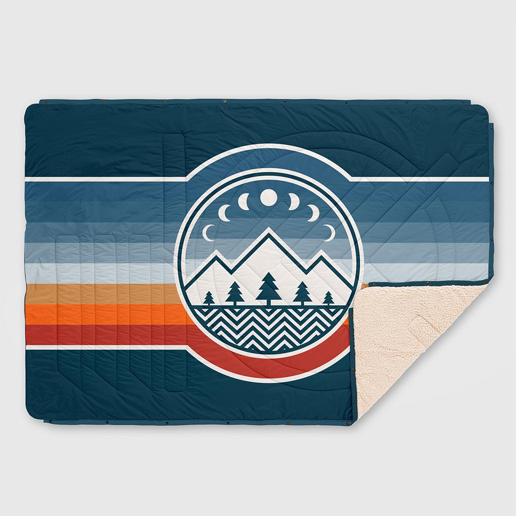 CLOUDTOUCH INDOOR/OUTDOOR CAMPING BLANKET CAMP VIBES 2