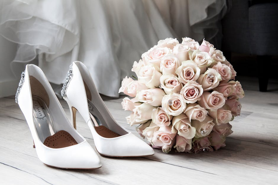 What Are Sola Wood Flowers and Why Do They Make Great Bridal Bouquets?
