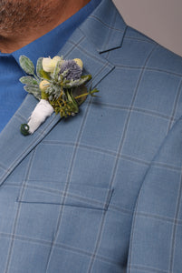 Georgia Boutonniere Rental The price to rent is $5 Pay $2.50 today to reserve - Bridalbouquets.com