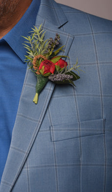Josie Boutonniere Rental The price to rent is $5 Pay $2.50 today to reserve - Bridalbouquets.com
