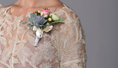 Georgia Pin On Corsage Rental The price to rent is $10 Pay $5 today to reserve - Bridalbouquets.com