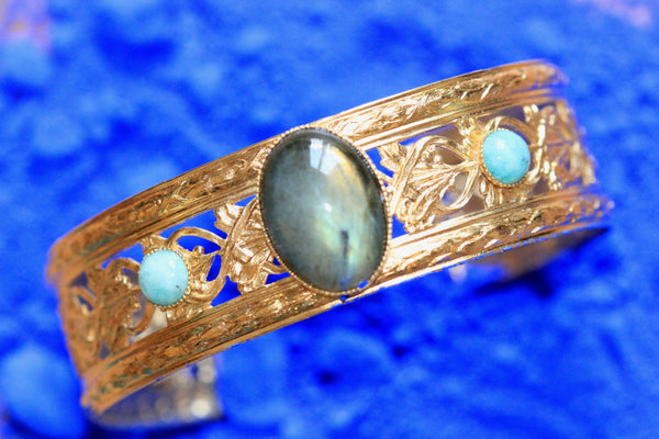LACE CUFF WITH LABRADORITE