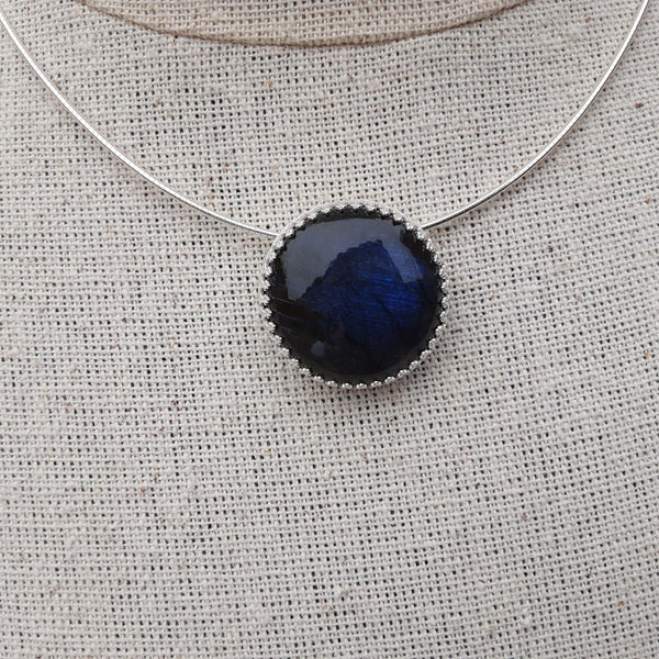Round labradorite and sterling silver necklace.