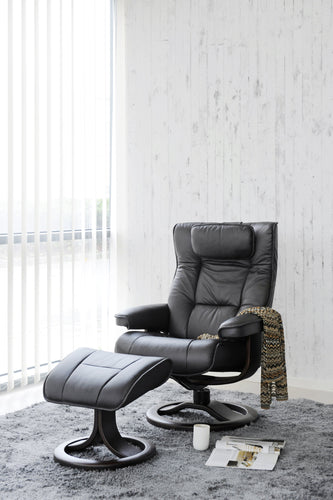 Mustang recliner chair with footstool