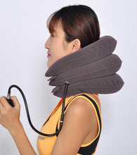 Inflatable cervical collar traction