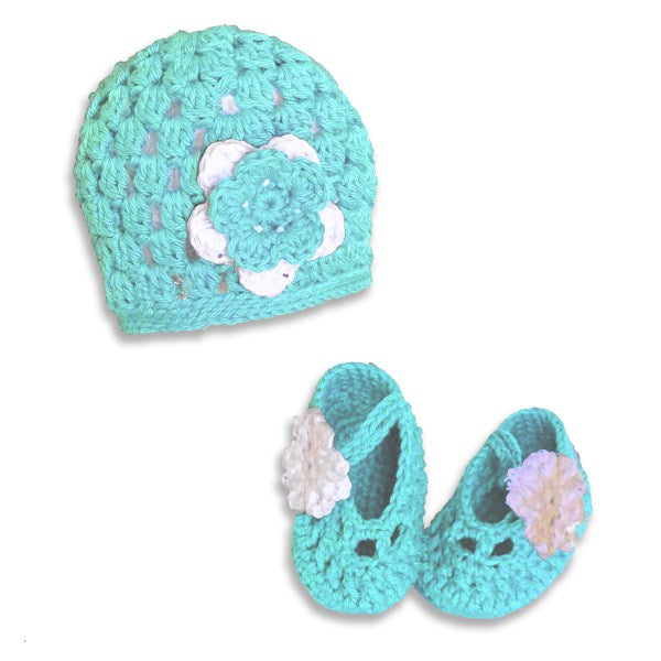 Turquoise Hat & Bootie Set