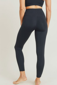 Essential Performance Legging