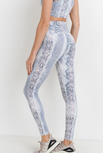Load image into Gallery viewer, Medusa Legging