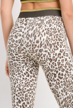 Load image into Gallery viewer, Luxe Leopard Legging