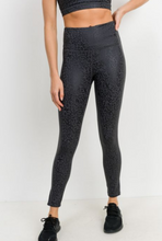 Load image into Gallery viewer, Leopard Foil Legging