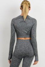 Load image into Gallery viewer, Two Tone Black Seamless Crop Top