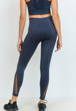 Load image into Gallery viewer, Diamond Threaded Seamless Legging