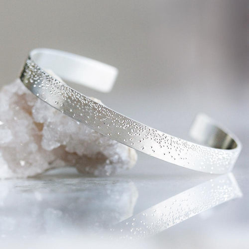 DIAMOND DUSTED GRAND CUFF