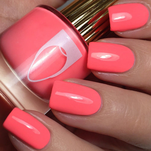 International Hot Girl creme nail polish