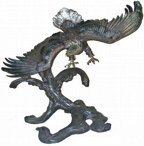 The Beauty of the Bald Eagle Sculpture