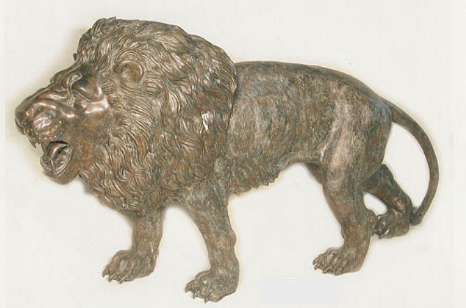 Majestic Walking Lion Sculpture in Bronze
