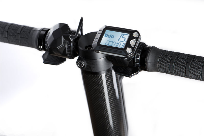 Handlebar equipped with digital speedometer to check your speed
