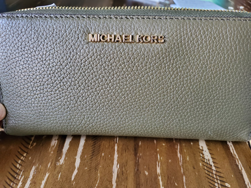 Michael Kors LG Green Leather Wallet