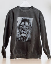 Load image into Gallery viewer, Lion Sweatshirt - new
