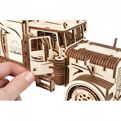 Wooden Mechanical Semi-Truck