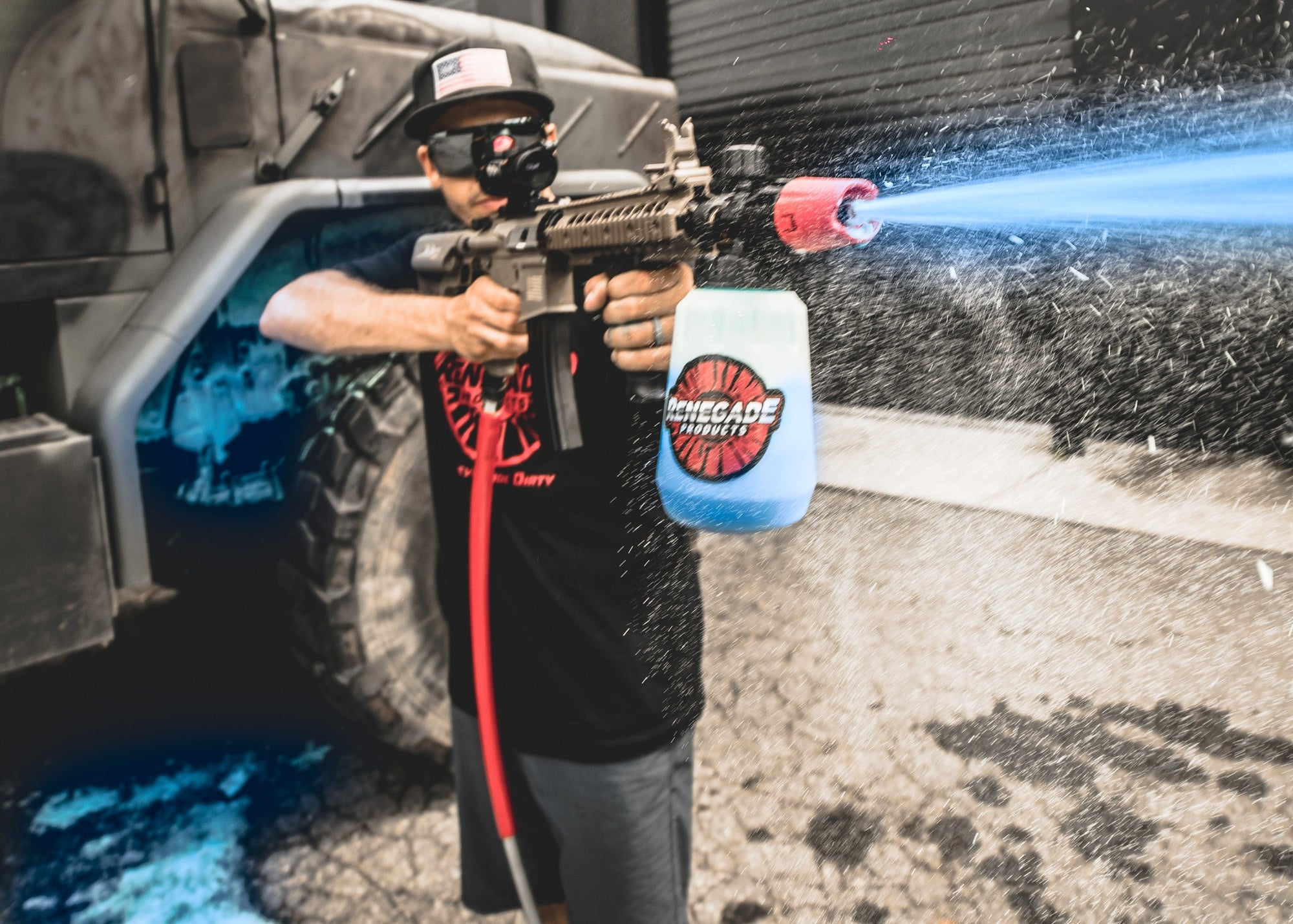 -AR foam cannon  -Renegade foam cannon attachment  -2 bottles of neon foam suds from Renegade Products  Attachments that are included  -Air-soft sniper scope with red dot  -Rail hand grip