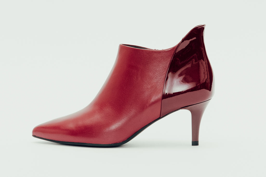 Pointed-Toe Mid Heel Ankle Boots - Red