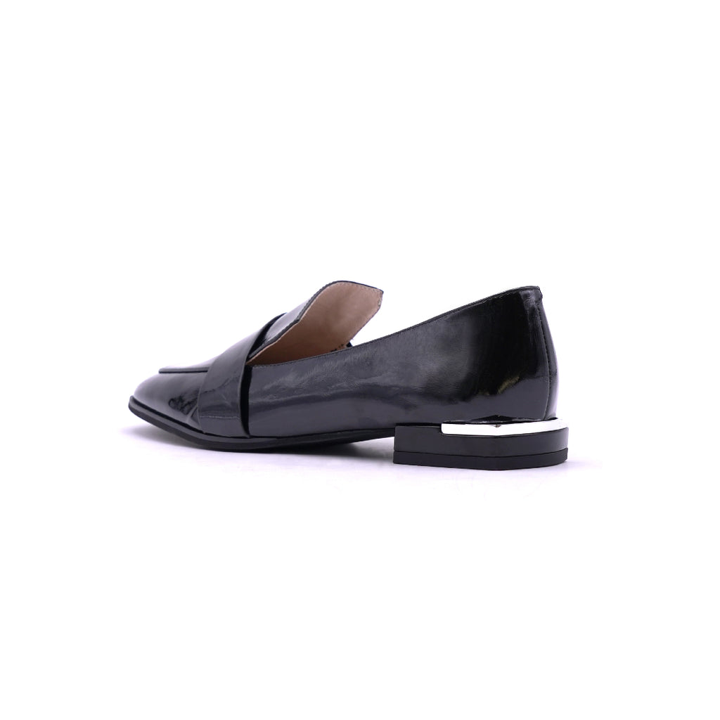 Classic Loafers - Black 1T18303BKP