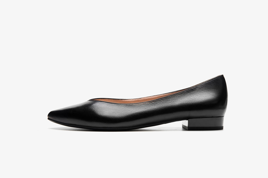 Leather Pointed Toe Flats - Black