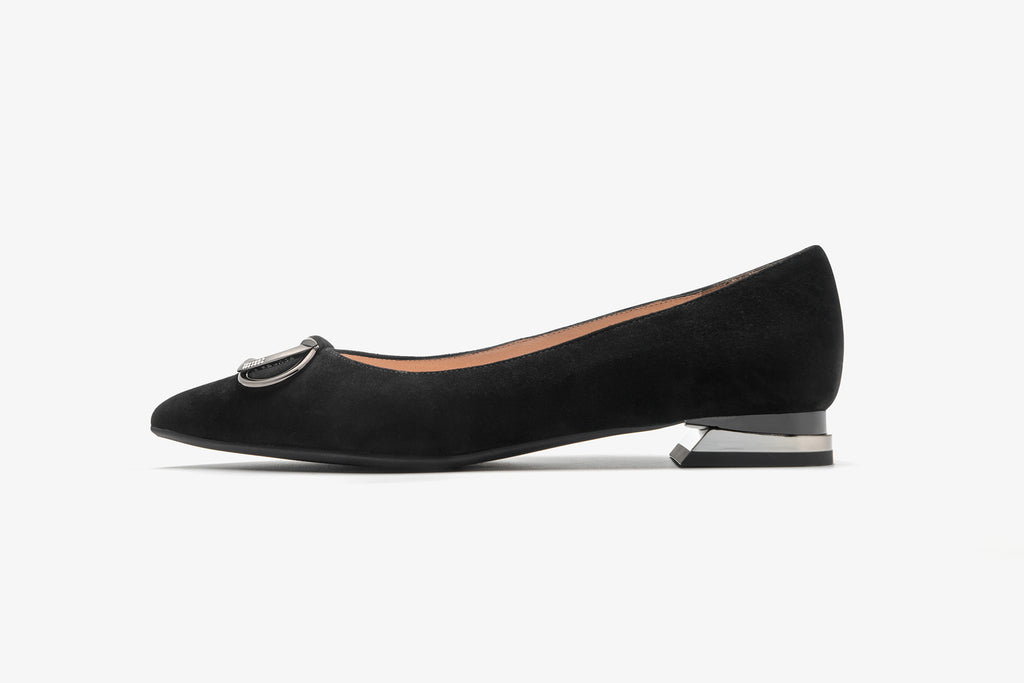 Arc Pointed Toe Flat shoes with Buckle Detail - Black AT13027