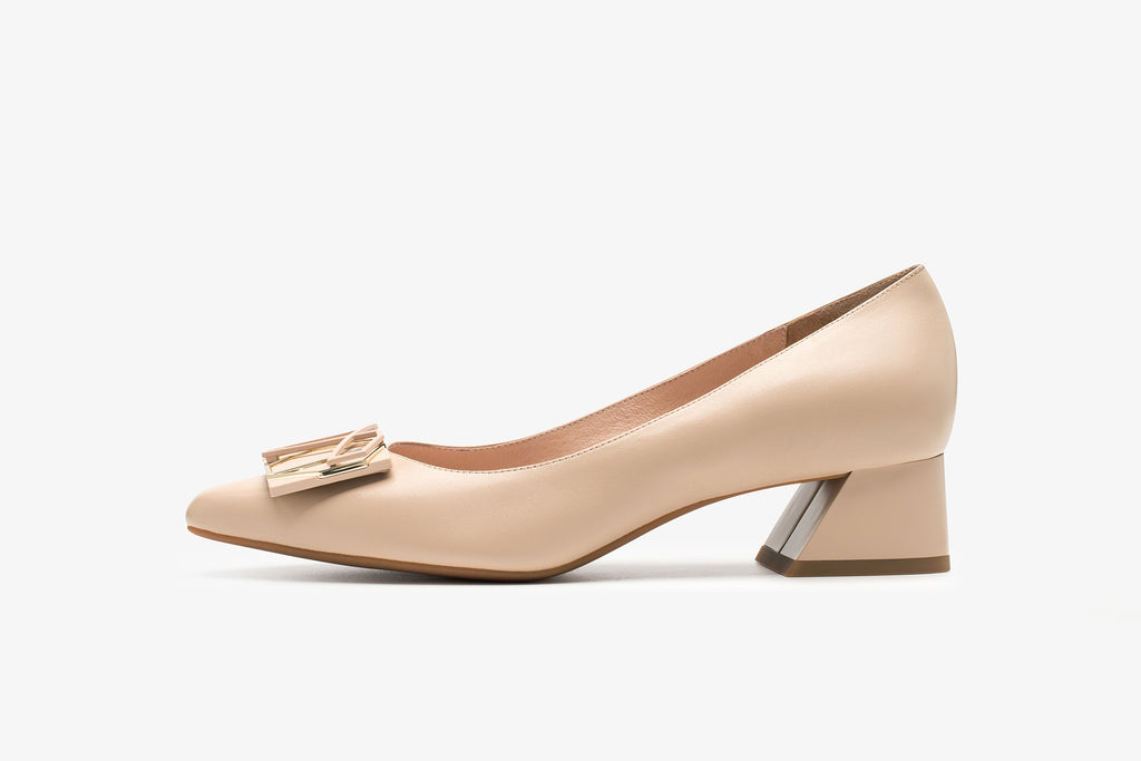 Millennium Wheel Leather Low Block Heels - Beige AT37708