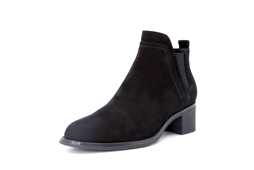 Heeled Ankle Boots - Black AT58201