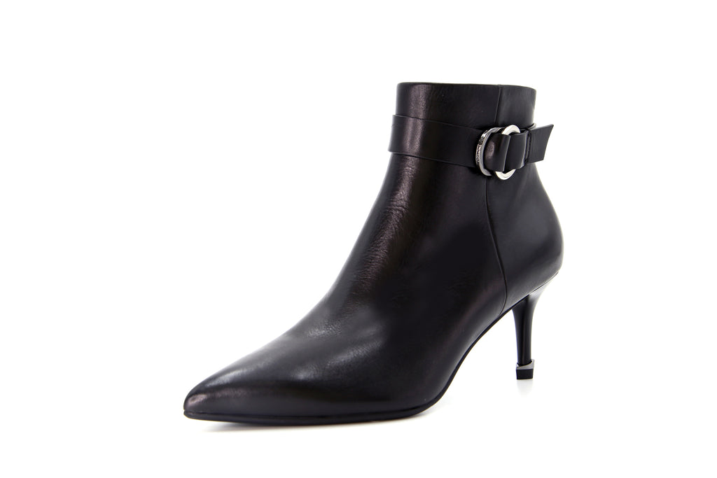 Arc Buckle Leather High-Heel Ankle Boots - Black AT87517