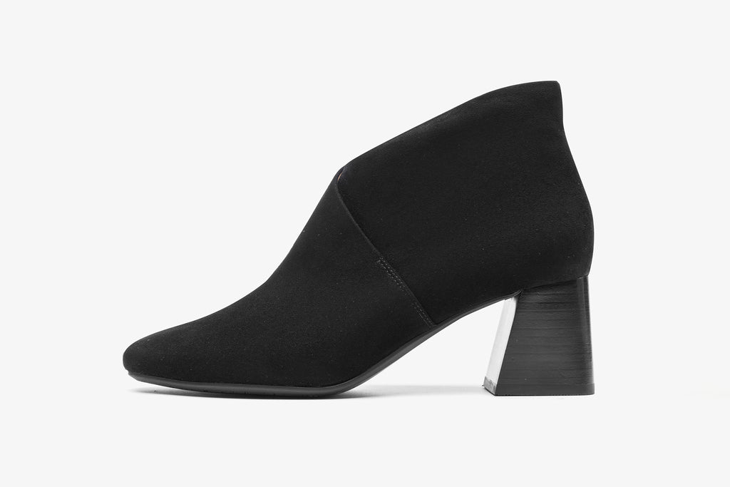 High-Heel Leather Ankle Boots - Black AT68810