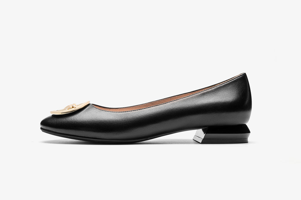 Square-Toe Leather Flats with Metal Detail - Black AT22902