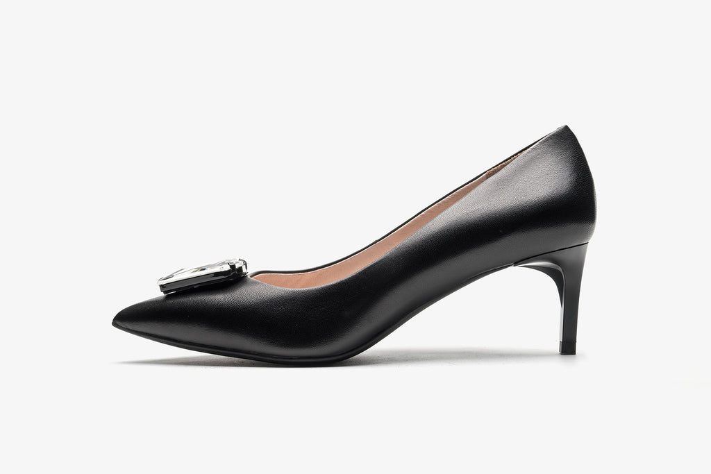 Pumps with Triangle Detail - Black AT54107