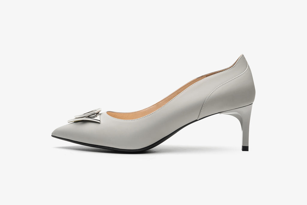 Leather Pumps with Geometric Detail - Grey