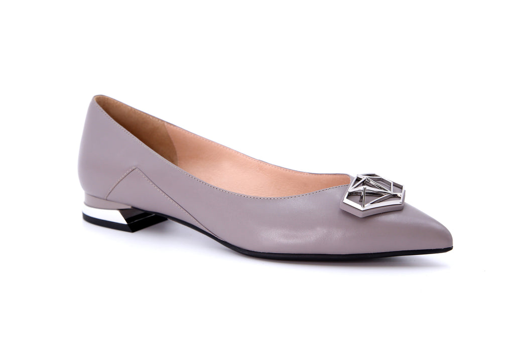 Millennium Wheel Pointed-toe Flat Shoes - Grey AT13024