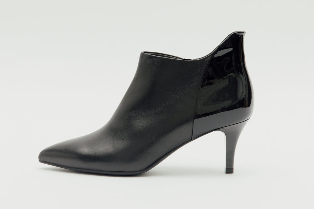 Pointed-Toe Mid Heel Patent Ankle Boots - Black