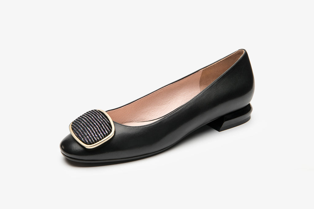 Classic Leather Flats with Buckle Detail - Black AT22903