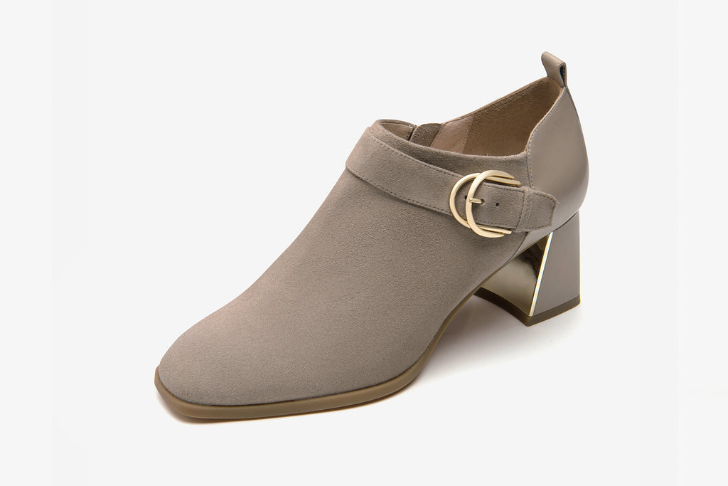 Arc Buckle Block-Heel Shoes in Suede Leather - Tapue AT60904