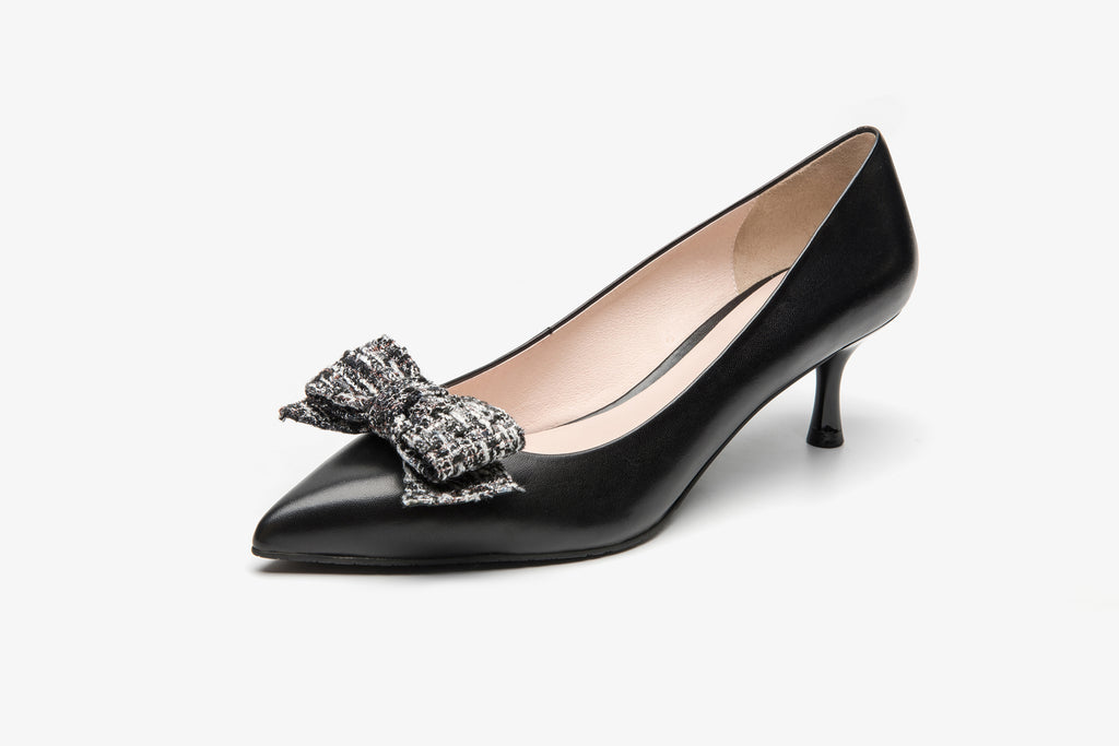 Leather Pumps with Fabric Bow detail - Black AT53205