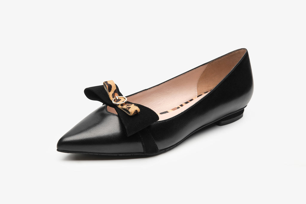 Pointed-Toe Flats With Bow and Leopard Detail - Black AT10330