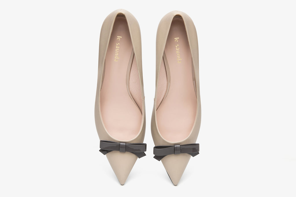 Leather Pumps with Bow Detail - Tapue AT53204