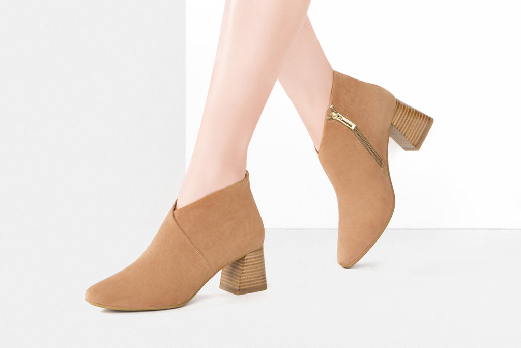 High-Heel Leather Ankle Boots - Camel AT68810