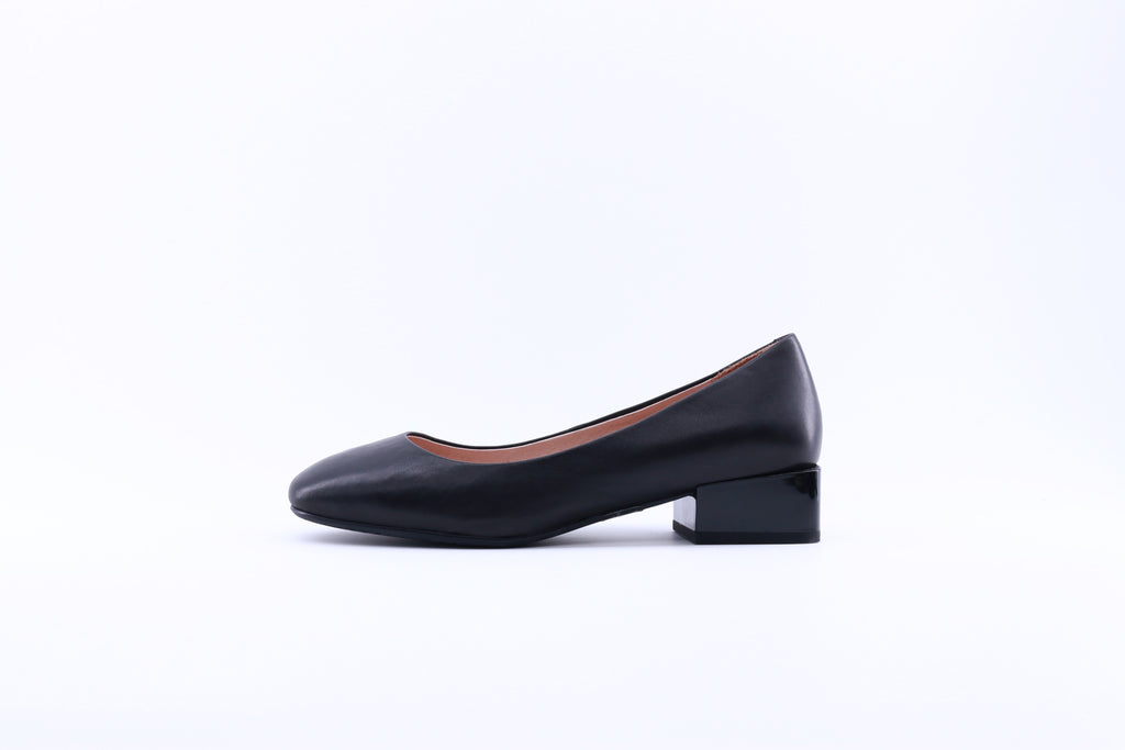 Leather Square Low-heel Pumps - Black