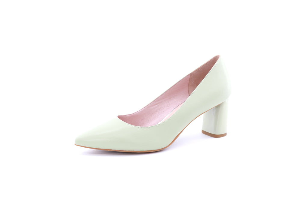 Pointed Toe Leather Pumps - Light Green
